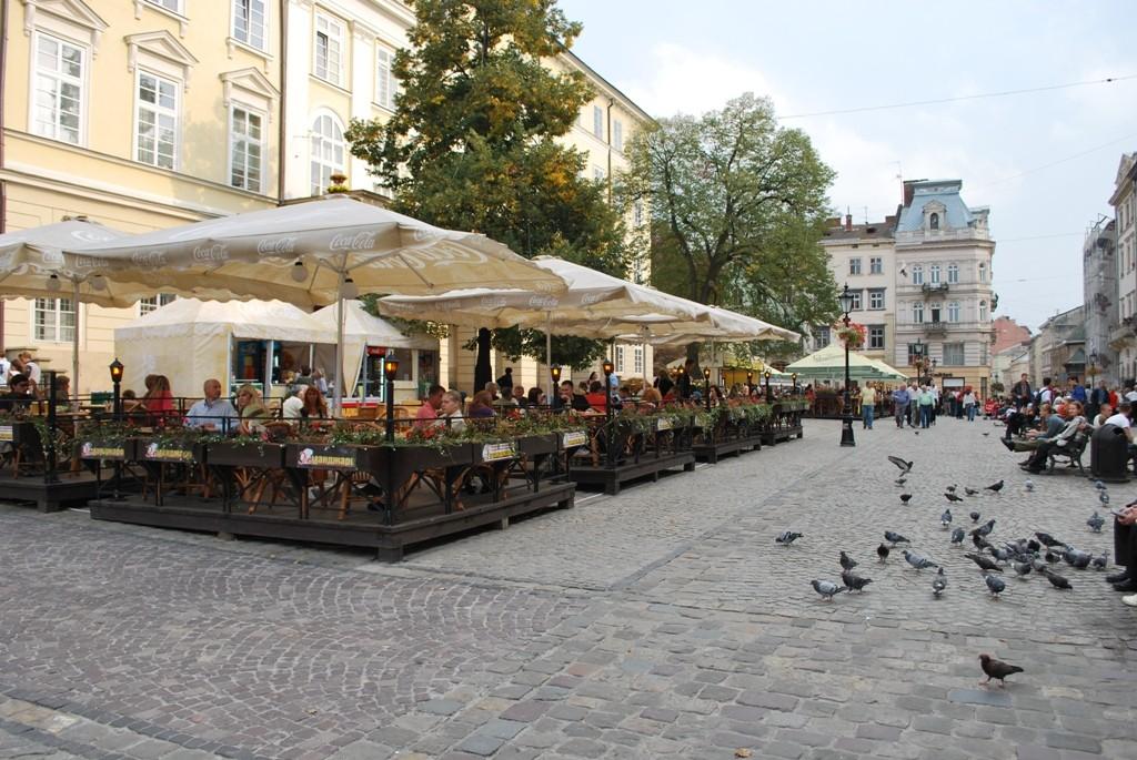 Центральна площа Львова.